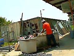 Lavoratore sfasciacarrozze scopato info sulla bouns