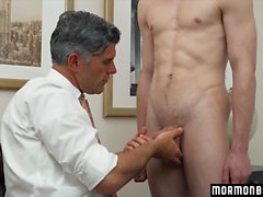 Pretty boy is getting pounded in his tight anal hole by a doctor in the hospital