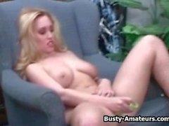 amadores peituda sobre compilação masturbação