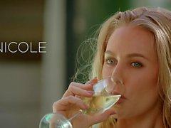VIXEN Nicole Aniston hat heiß dominierenden Sex im Urlaub