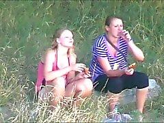 picknick twee meisjes