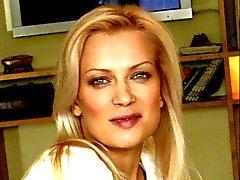 Les pieds de Olesya Sudzilovskaya