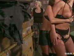 Диких сук Селеста Звездные и Brianna йордановы на HD лездом Tattooed порно
