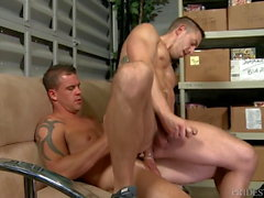 Big Dick papa Amis font un porno au travail