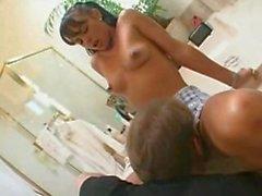 Petite Latina teen saugt fickt und nimmt BIG Gesicht voller Sperma!