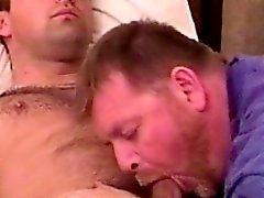 Hemgjord praktiken jocken får bj mellan homosexuella björnen