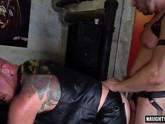 Haarig Homosexuell anal mit abspritzen RIMMING