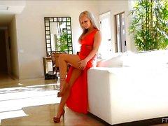 Melissa 4 för XXX blond mogna fingers massagebehandlingar Tuttar