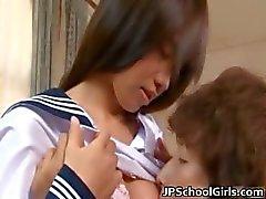 Hikaru Ayuhara sexy Japanse schoolmeisje