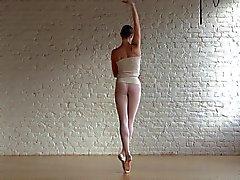 Della ballerina flessibileChiudi esclusivi Annett & nudi classiche