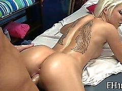 Atractiva and horny ramera de dieciocho años