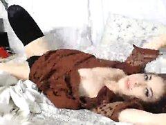 Preciosa tetona Piper Fawn con una salvaje masturbación en solitario