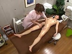 Lovely Japanese babe relinquishes her honey hole to a gifte