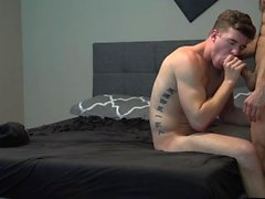 Grosse bite fellation gay avec éjac