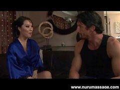 Åsa Akira Asiatiska från Nuru Massage i Blowjob och 69