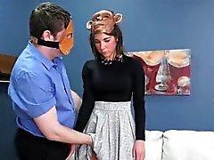 Flirty teenie fue tomado asilo de agujero de culo por desinhibido t