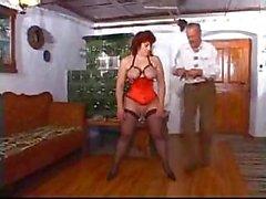Olgun bayan bazı garip seks meme ve kedi deldi etti