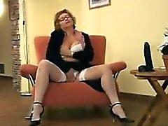 Femme mure se masturber