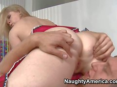 Sunny gets her pussy licked in sixty nine