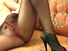 Sale fille se masturbe Bien en collants
