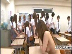 Textade Japan schoolgirls remsor naken och börja orgie