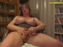 Mature shemale huge tits & huge cock Webcam