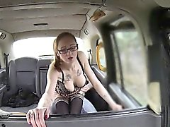 American hot babe enjoys messy facial