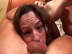 Amber Rayne recebe rosto fodido