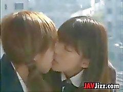 Schoolgirls Giappone Baciare i