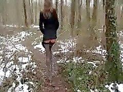 d'olivia dans les bois