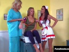 Sueco Fox Puma Swede & Nicole Aniston Obtenha exames Wet Pussy!