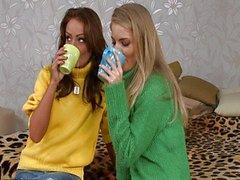 Cayenne Klein & Sophie Lynx üçlü