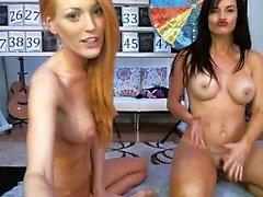 Gigantic Boobs Lesbian Ebony para Hot loira buceta