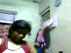 Мускулистое Насколько Hyderabadi Девочка Рия показывает ее Tits на вебкамеру