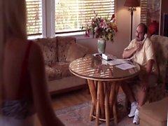 Busty Cops ir a de Hawai - a Amy Reid e a Tanya Santiago Haga que sexo lésbico a la cama .