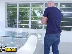 BANGBROS - Sean Lawless and J-Mac Arm Wrestle For Rachel Starr