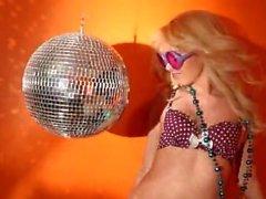 Aaliyah Love & Taylor Vixen - Pornstar Reich - Ich bin Taylor - Szene 5