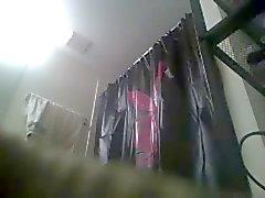 Luana en la ducha