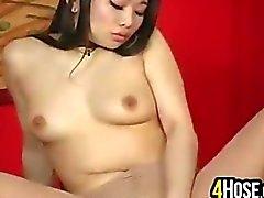 Aasian kauneus sukkahousut Masturbating