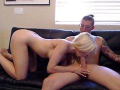 Das blonde Babe Alexis Texas nimmt einen dicken fetten Schwanz Doggystyle