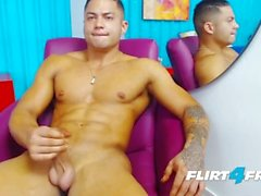 Brandon Sullivan auf Flirt4Free Guys - Latino Hunk hat perfekten muskulösen Körper