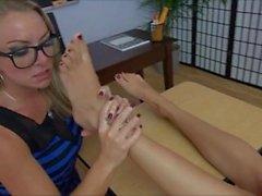 Foot Worship Lesbians 024