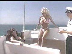 Jenna Jameson Mikin G. ( Vaaralliset Tides 01x05 )