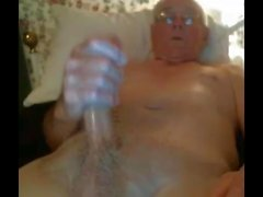 Opa Schlaganfall vor der Webcam