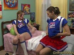 Les cheerleadereitä tribbing
