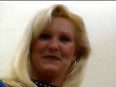 Madura de Hottie Lynn recieves Alguma BBC