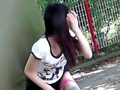 teenager che giapponese pubblica della pipi