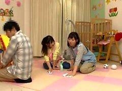Hardcore Asian bambina gode di un certo sesso di gruppo veramente caldo