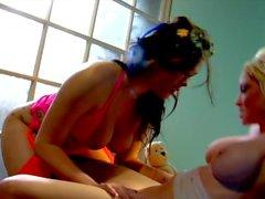 Isot tissit Madison Scott nuolukivistä pillua hänen Aasian tyttöystäväni