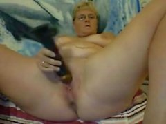 blond haired mature nympho used huge dildo